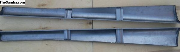 3658244 Running boards 1947-48  2 brackets