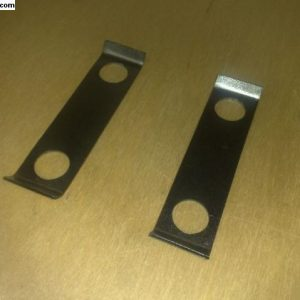 Lock plates for front axle mounting