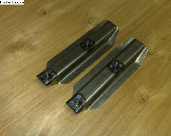 4742164 Rear bumper brackets