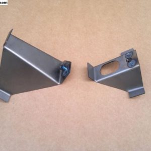 6207278 Brackets for door window channels for split