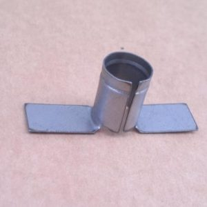 6207289 Holder for horn brush keeper